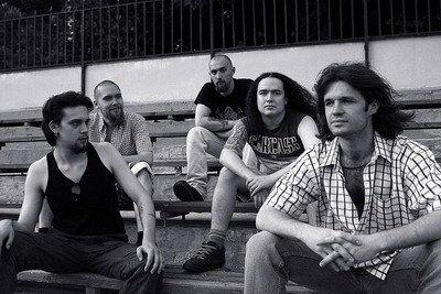 http://rock.ru/photo/img/4d1202141d9f1e68688699d1cd92b767.jpg