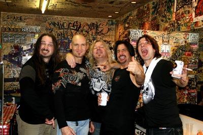 http://rock.ru/photo/img/5bc5766960f27e6710112039cf0f93bb.jpg