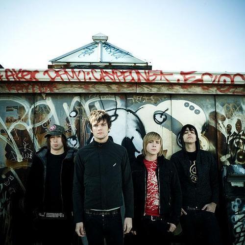 http://rock.ru/photo/img/a7316b1bc27641489a85dfde870f1e33.jpg